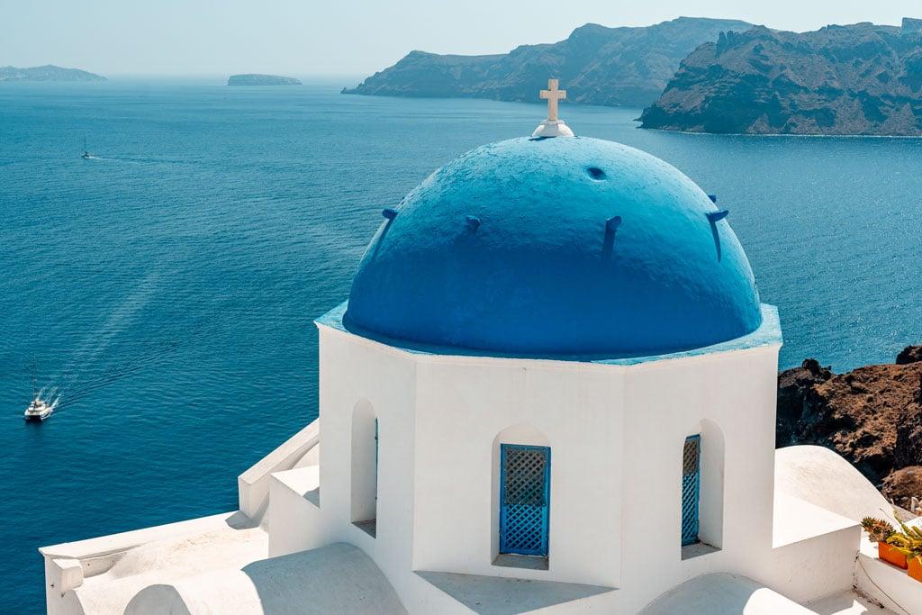 Oia Santorini on a Budget