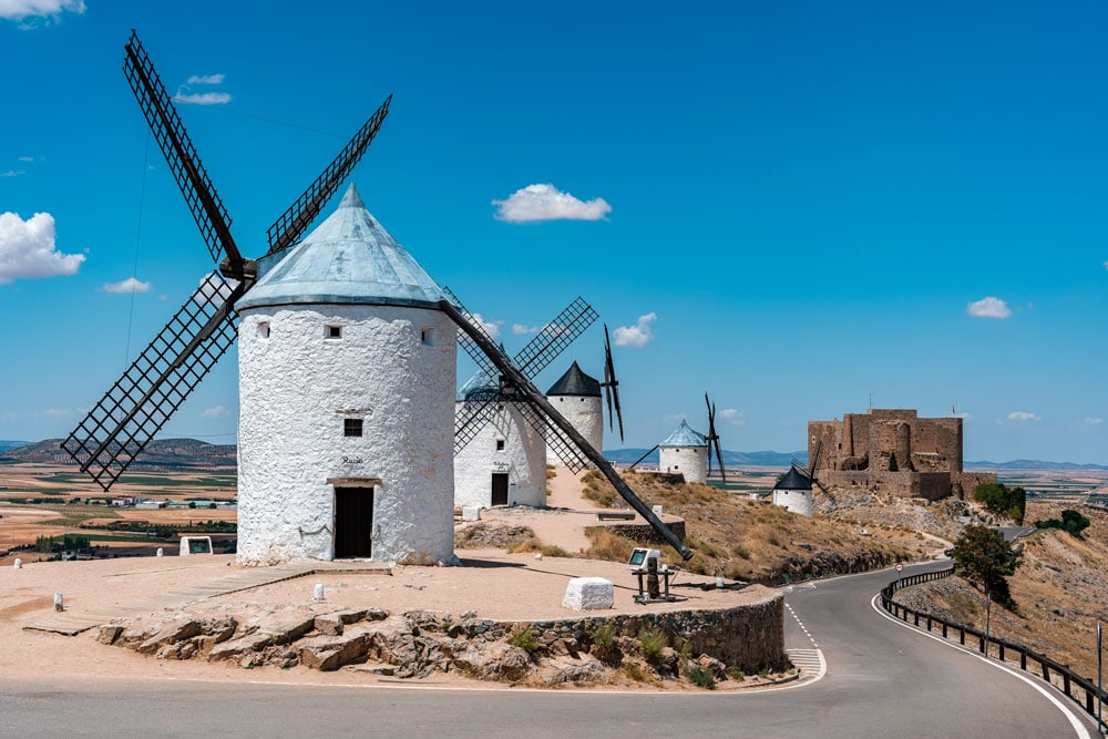 Windmills and Consuegra castle