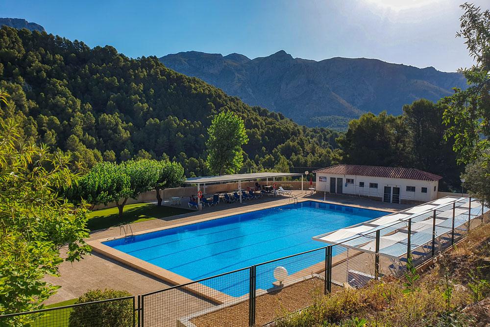 Public pool in Beniarda