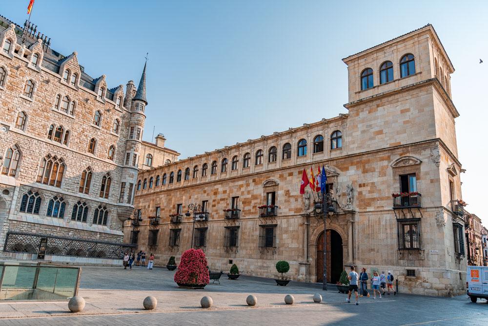 Renaissance building of the Palacio de los Guzmanes