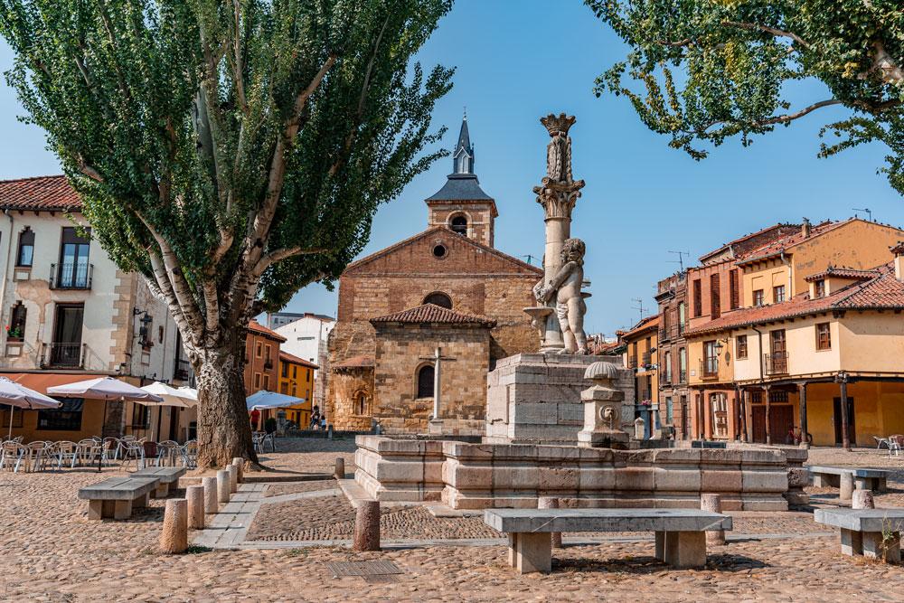 Medieval Square - Plaza del Grano