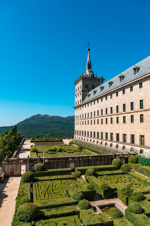 Frailes gardens at Royal Monastery