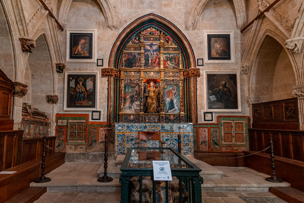 Altar in the Old Cathedral of Salamanca