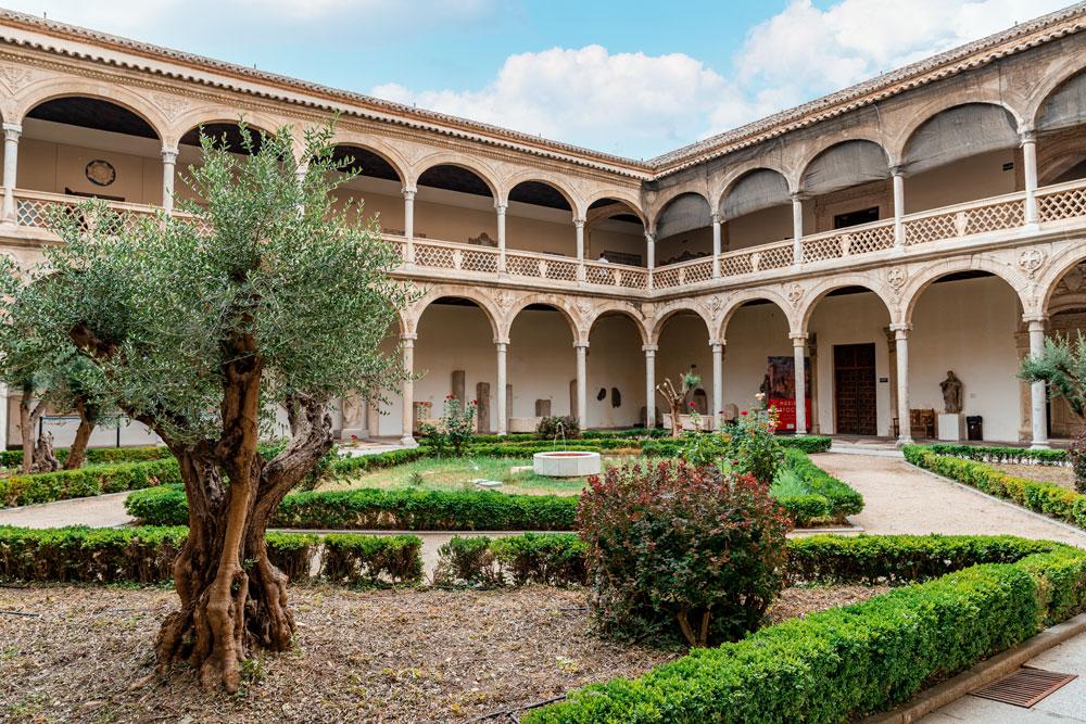 Museum of Santa Cruz courtyard