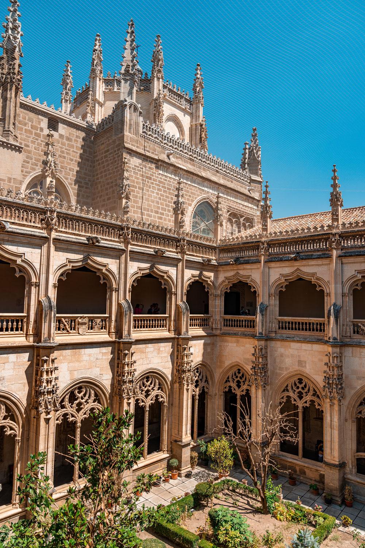 Monastery of San Juan de los Reyes courtyard
